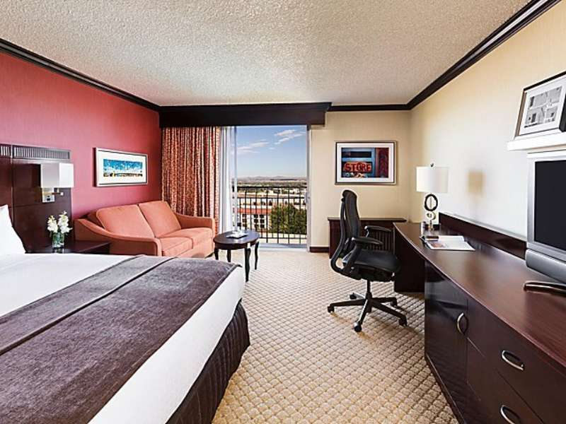Crowne plaza albuquerque 2531694797 4x3