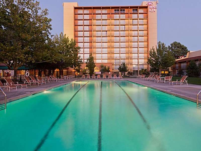 Crowne plaza albuquerque 3682866478 4x3